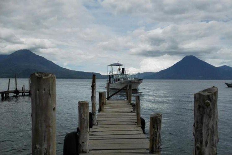La cuenca de Atitlán (Sololá) es una de las áreas protegidas que son destinos turísticos preferidos en el país. (Foto, Prensa Libre: Hemeroteca PL)