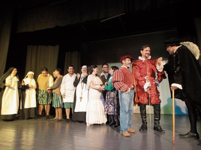El elenco está preparándose para recitar cada parte de la obra insigne del dramaturgo español José Zorrilla, en la sala Manuel Galich de la UP.