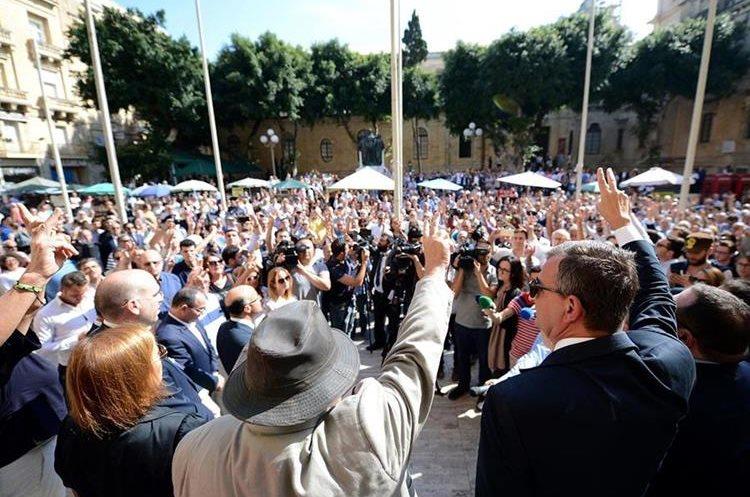 Cientos demandan justicia por muerte de periodista en Malta. (Foto Prensa Libre: AP)