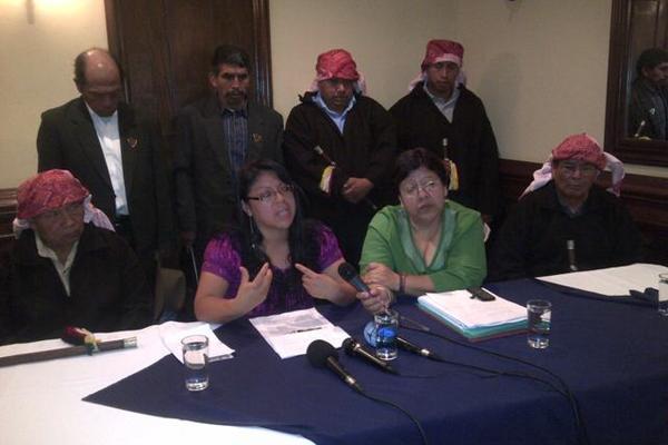 <p>Conferencia de prensa de organizaciones de mujeres y autoridades de ancestrales mayas. (Foto Prensa Libre: Erick Ávila)</p>