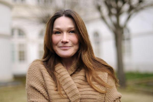 <p>La cantante francesa fue de las primeras consideradas para la versión en francés del tema. (Foto Prensa Libre: Archivo)</p>