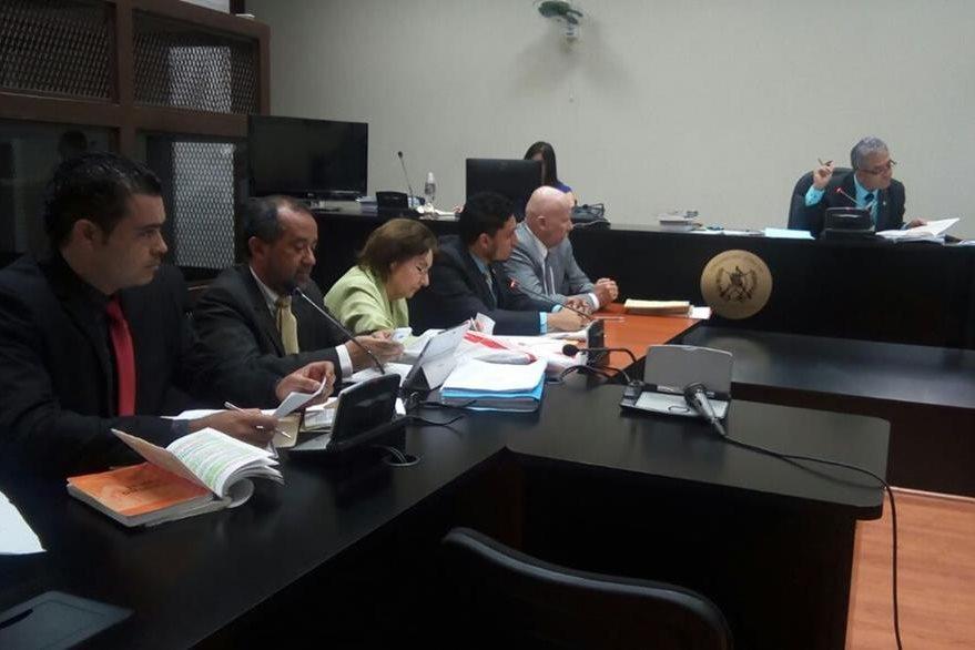 En el segundo día de la audiencia el MP presentó 29 pruebas materiales en el caso Siekavizza. (Foto Prensa Libre: Paulo Raquec)