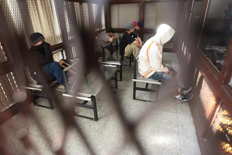 En julio del año pasado se determinó que existía un millón 280 mil 378 expedientes en las fiscalías de todo el país (Foto Prensa Libre: Álvaro Interiano)