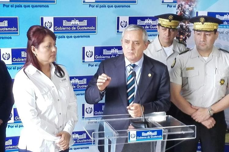 El presidente Pérez Molina dijo que no renunciará que si le retirán la inmunidad responderá a los cuestionamientos. (Foto Prensa Libre: E. García)
