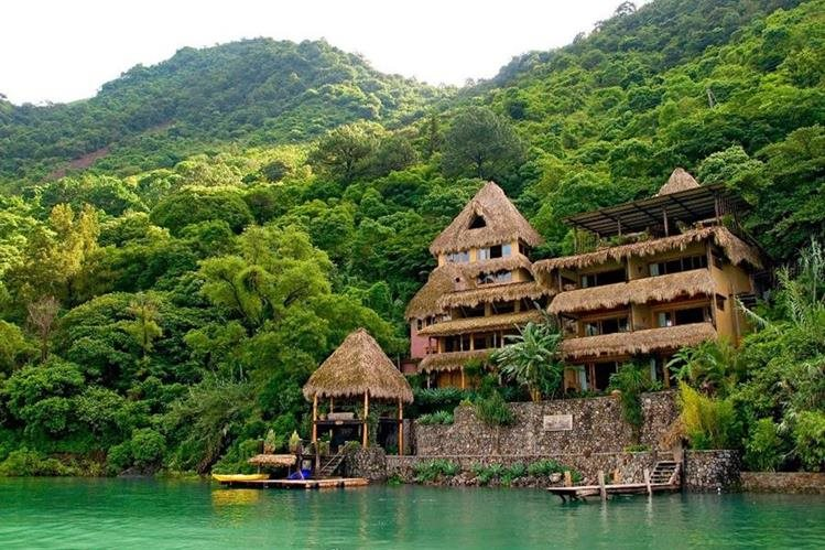Vista del hotel Laguna Lodge. (Foto Prensa Libre: Facebook)