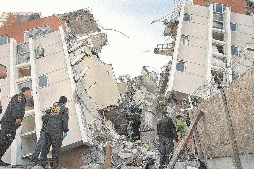 En el 2010 un potente terremoto de 8.8 grados dejó muerte y destrucción en Chile. (Foto Hemeroteca PL).