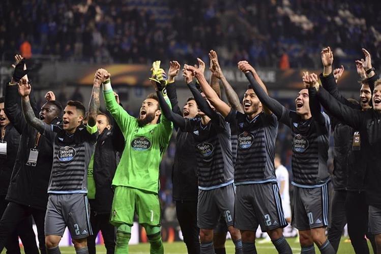 Los jugadores del Celta festejaron el pase a las semis. (Foto Prensa Libre: AP)