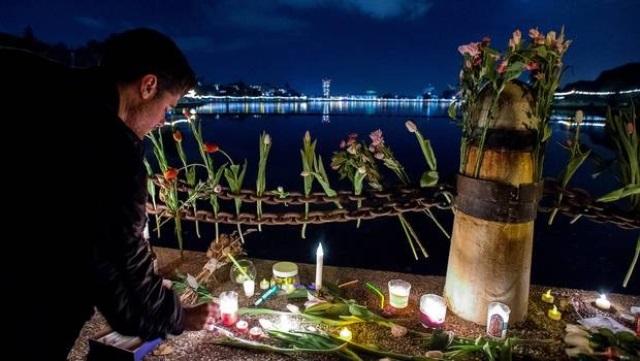 Víctimas del incendio mandaron mensajes de despedida. (Foto Prensa Libre: AFP)