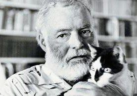 Después de años de tener una salud precaria y una depresión crónica, el laureado novelista estadounidense se suicidió en 1961. (Foto Prensa Libe, tomada de culturacolectiva.com)