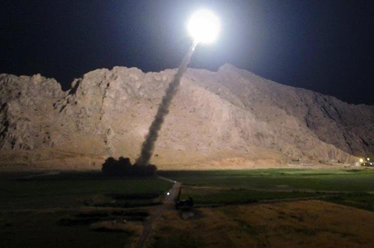 Los cohetes lanzados por Irán a región siria también podrían desestabilizar la política. (Foto Prensa Libre: AP)
