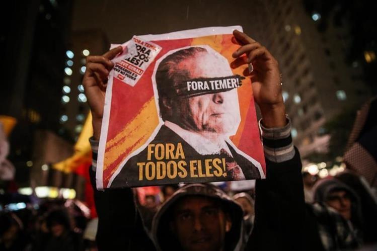 Varias protestas se han organizado contra el presidente brasileño, Michel Temer. (Foto Prensa Libre: EFE)