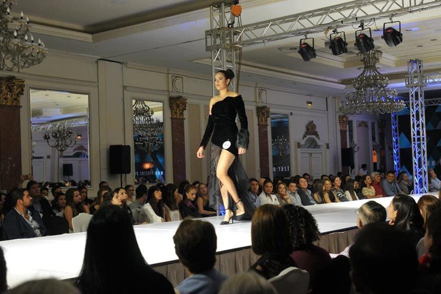 Las creaciones fueron aplaudidas por el público. (Foto Prensa Libre: Ana Lucía Ola)