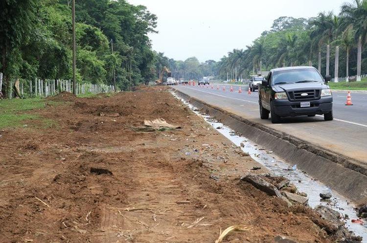 El carril exprés estará ubicado en las garitas del lado sur de la autopista Palín-Escuintla. (Foto Prensa Libre: Enrique Paredes)