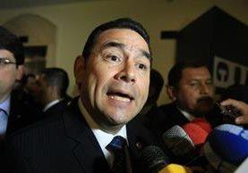 El presidente Jimmy Morales declara a medios de comunicación y reconoce reuniones con jefes de bancadas. (Foto Prensa Libre: Esbin García)