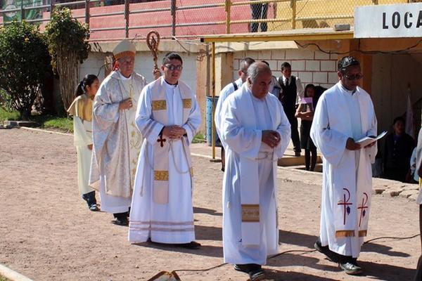 <p>Miembros de la Diócesis de Jalapa dieron inicio a la Semana Misionera, en el estadio municipal de Jalapa. (Foto Prensa Libre: Hugo Oliva)<br></p>