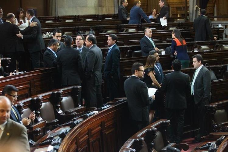 El Pleno del Congreso decidió que el ministro de Agricultura mantuviera su derecho a antejuicio. (Foto Prensa Libre: Álvaro Interiano)