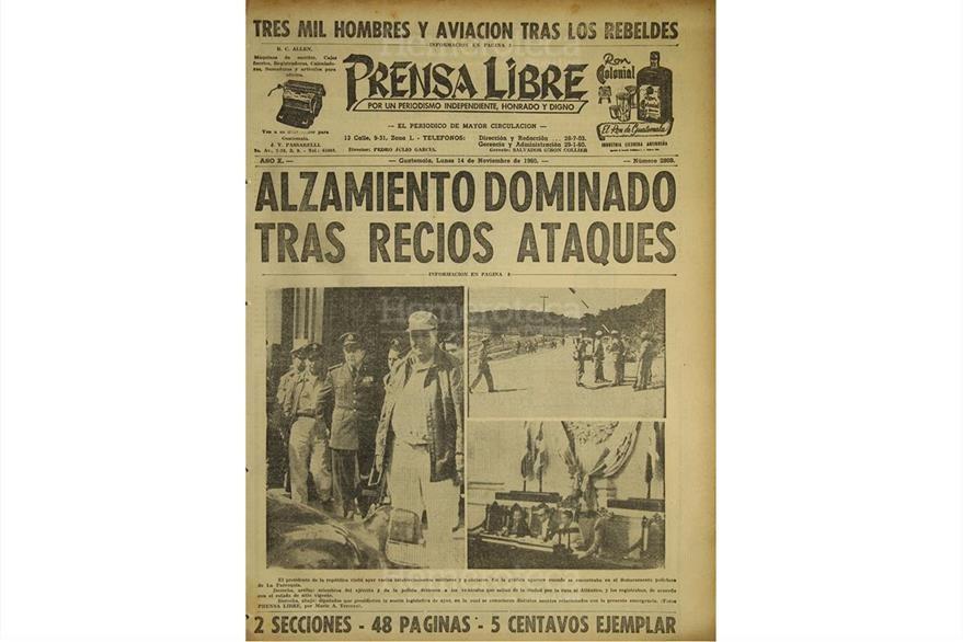Portada del 14 de noviembre de 1960 informa sobre alzamiento en Zacapa. (Foto: Hemeroteca PL)