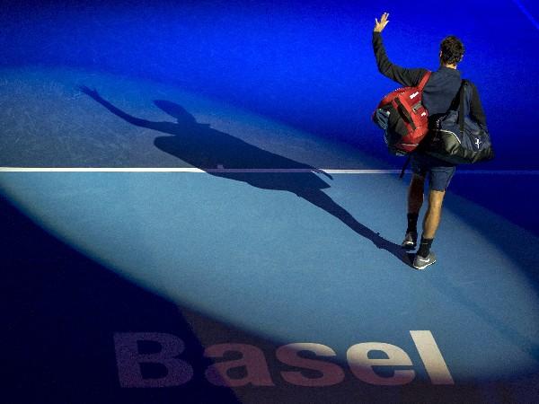 Roger Federer triunfa en el torneo de su natal Basilea. (Foto Prensa Libre: AP)