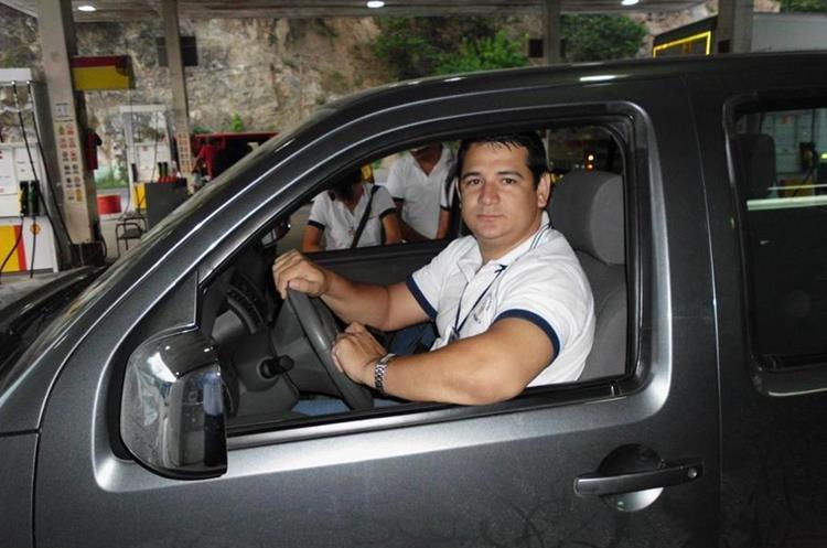 Wesly  Sosa Salguero murió cuando el tráiler cayó  sobre el vehículo que conducía. (Foto Prensa Libre: Cortesía)