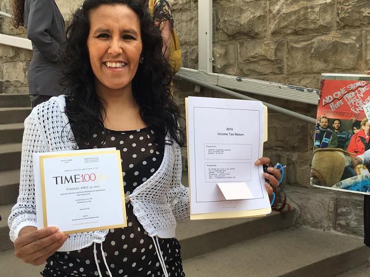 Vizguerra sostiene el nombramiento de la revista Time como una de las cien personas más influyentes. (Foto del sitio westword.com)