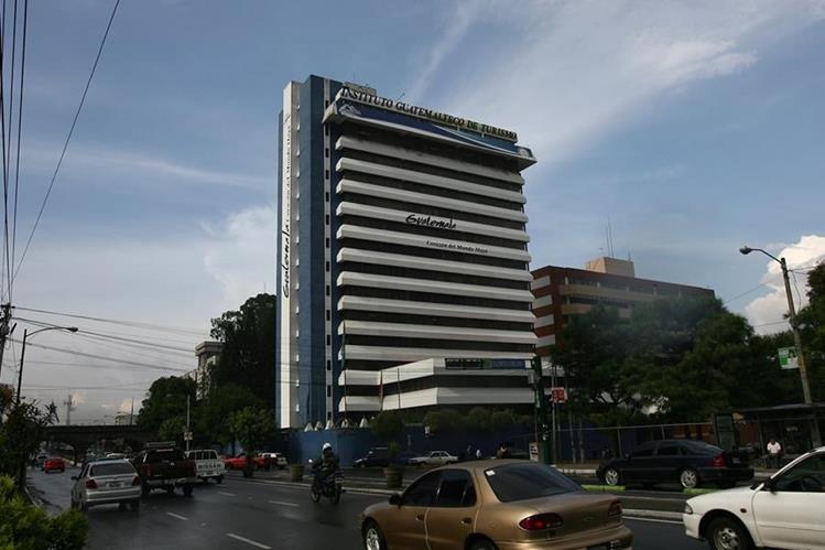 En el Inguat hay contratadas más de 400 personas. (Foto,Prensa Libre: Hemeroteca PL).