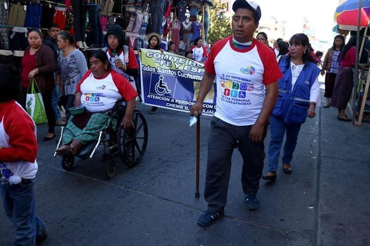 Los manifestantes exigieron inclusión social. (Foto Prensa Libre: Mike Castillo)