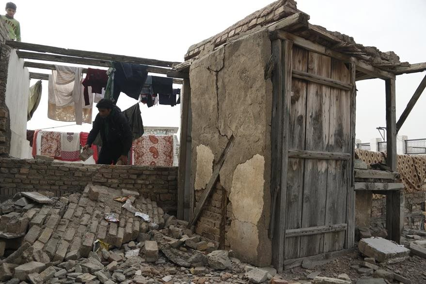 En la provincia de Peshawar, Pakistan, hubo daños materiales y humanos. (AP)