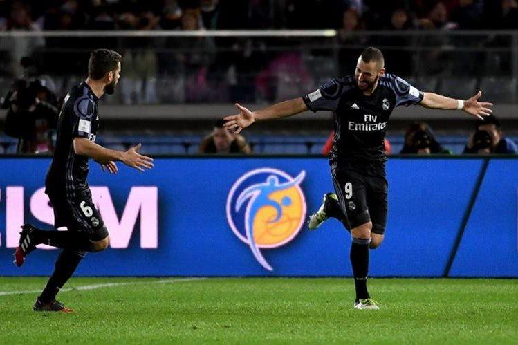 Karim Benzema abrió el marcador en la victoria del Real Madrid contra el América de México. (Foto Prensa Libre: AFP)