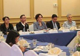 Las autoridades de la PGN brindaron detalles de los procesos que han seguido para la desinstitucionalización de niños y adolescentes (Foto Prensa Libre: Carlos Hernández Ovalle).