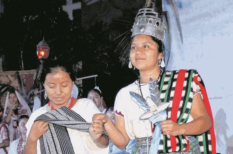 Celeste Catarina Morales Cruz, originaria de San Pedro La Laguna, Sololá, fue electa Rabín Ajaw en el 2016. (Foto Prensa Libre: Eduardo Sam)