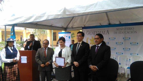 La fiscal Thelma Aldana recibió un reconocimiento del Mineduc por su lucha contra la corrupción (Foto Prensa Libre: Geldi Muñoz).