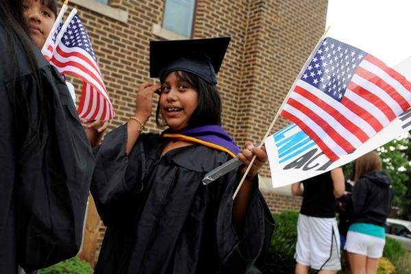 <p>La acción diferida permite a jóvenes menores de 30 años continuar con sus estudios. (Foto Prensa Libre: Archivo)</p>