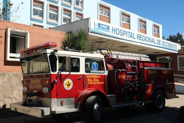 Fuga de gas propano provoca explosión en el HRO y dañó equipo de laboratorio. (Foto Prensa Libre: Carlos Ventura)