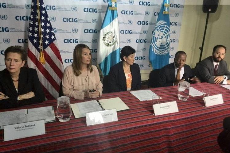 En el anunció del aporte participaron, Valerie Julian del PNUD, la vicecanciller Heather Higginbottom, Thelma Aldana ficsal general y el embajador de Estados Unidos en Guatemala Todd Robinson. (Foto Prensa Libre: Esbin García)