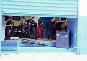 Almacén que fue objeto de robo en la cabecera de Sololá. (Foto Prensa Libre: Ángel Julajuj)