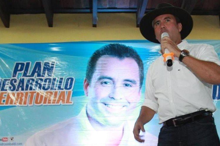 El exministro de Comunicaciones y excandidato presidencial, Alejandro Sinibaldi, continúa prófugo por varios casos de corrupción por los que se le señalan. (Foto HemerotecaPL)