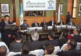 El TSE convoca a elecciones, en mayo de 2003. (Foto: Hemeroteca PL)