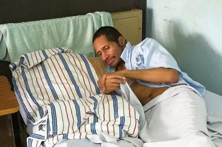 Ingresó en el Hospital General San Juan de Dios el 5 de noviembre del 2016 y no se sabe de quién se trata. (Foto Prensa Libre: César Pérez Marroquín)