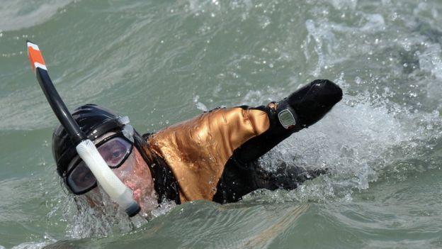 Croizon cruzó el Canal de la Mancha y unió los cinco continentes a nado. (Getty)