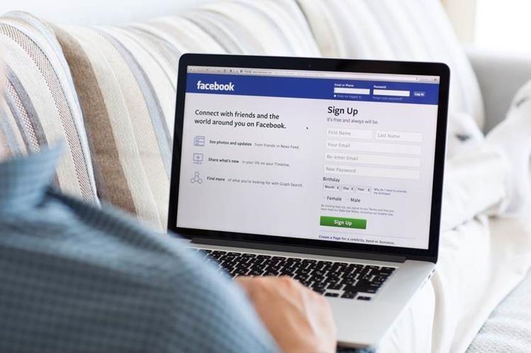 Facebook tiene más de 1 mil 500 millones de usuarios activos, y cada día se comparten en su plataforma millones de imágenes. (Foto: Hemeroteca PL).