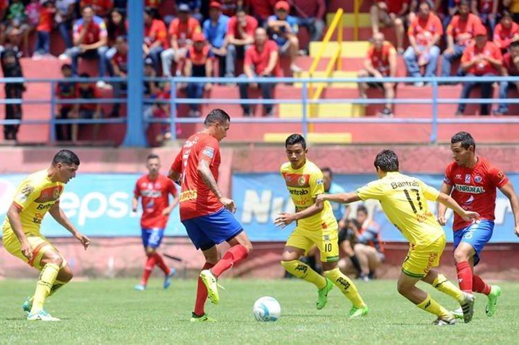 Municipal logró su segundo triunfo en lo que va del torneo. (Foto Prensa Libre: Francisco Sánchez)