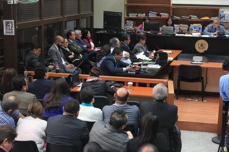 """Juez dijo que espera emitir su resolución hoy """"para salir de una vez de eso"""". (Foto Prensa Libre: Esbin García)"""