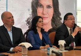 Zury Ríos Sosa, candidata presidencial de Viva, aseguró que el TSE revocará la resolución que le niega la inscripción. (Foto Prensa Libre:E. Paredes)