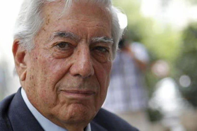 Vargas Llosa comienza trámites de divorcio. (Foto Prensa Libre: EFE)