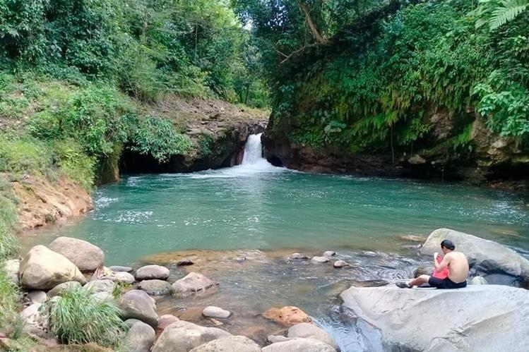 El proyecto de turismo comunitario busca que más personas visiten lugares como el cubo de San José la Lima, Malacatán. (Foto Prensa Libre: Whitmer Barrera)