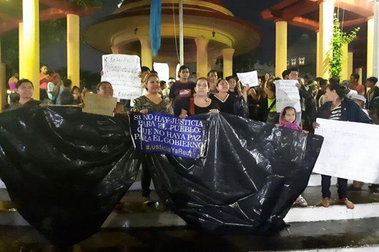 Protesta en la cabecera de Retalhuleu. (Foto Prensa Libre: Rolando Miranda)