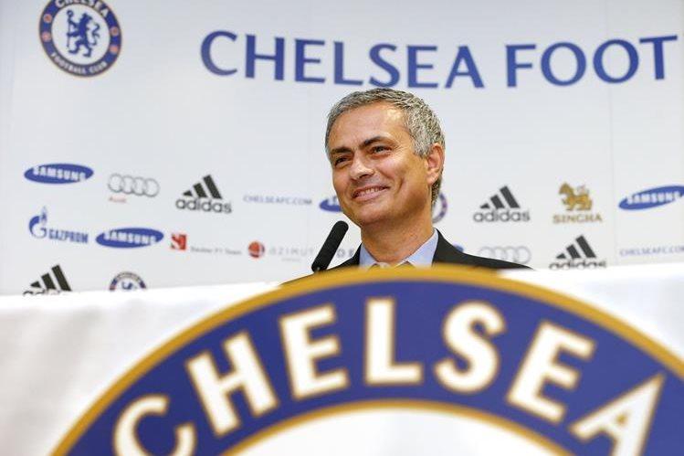 José Mourinho arranca la temporada con nuevos retos luego de la renovación. (Foto Prensa Libre: Hemeroteca PL)