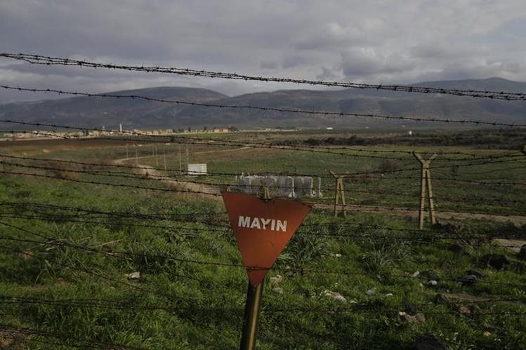 Foto de referencia de la frontera entre Siria y Turquía, donde cayó un avión militar. (Foto Prensa Libre: AP)