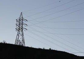 Las tarifas de distribución de energía eléctrica de las distribuidoras estarán vigentes a partir del 1 de agosto hasta el 31 de octubre de 2017. (Foto Prensa Libre: Hemeroteca)