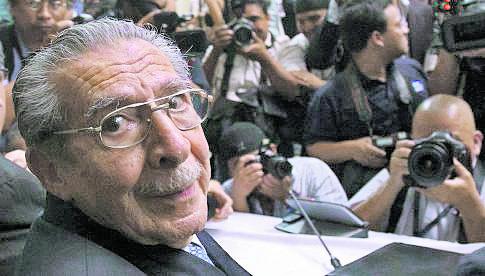 Ríos Montt, en audiencia en 2013 por genocidio. (Foto: Hemeroteca PL)